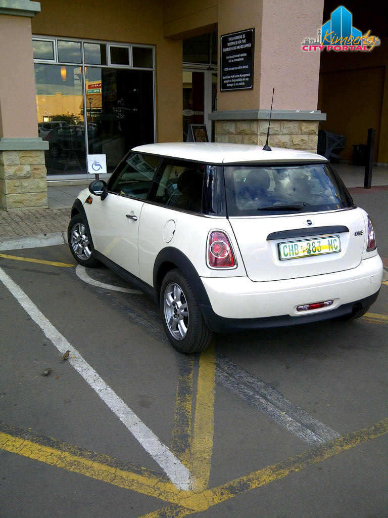 PT-20141204-Disabled_Parking_Thieves-North_Cape_Mall_Kimberley