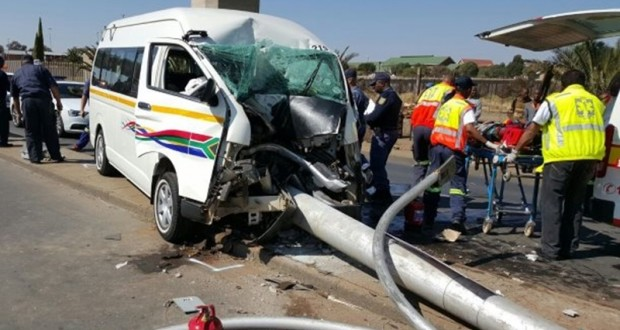 Taxi collision leaves three injured, Kimberley