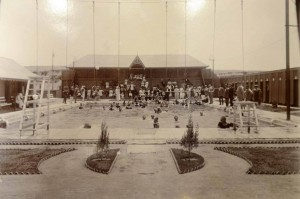 Kimberley's History - The Beaconsfield Swimming Pool