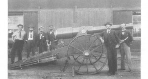 Cecil Rhodes gives permission to George Labram to begin the construction of the Long Cecil gun, 1899