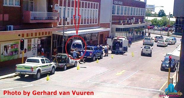 PT-20160126-Taxi_crashes_into_Hugo_Mathewson_Oosthuizen_Attorneys
