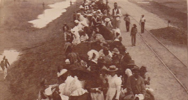 PT-Refugees_leaving_Kimberley-1900