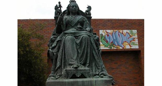 PT-Queen_Victoria_Statue-1906
