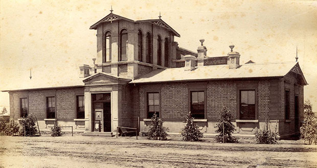 PT-Beaconsfield_Town_Hall-1888