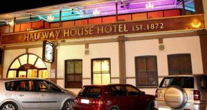 PT-Halfway_House_Hotel-1897