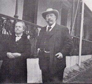PT-George_Craig_Sanders_Pauling_and_Wife-1919