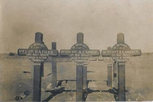PT-Kimberley_Regiment_Graves_at_Trekkopjes-1915