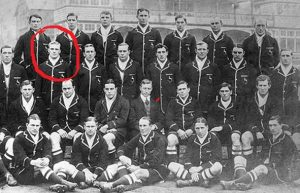 PT-Springbok_Rugby_Team_with_Septimus_circled-1912