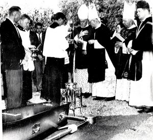 PT-Brother_Macs_burial_at_West_End_Cemetery-1966