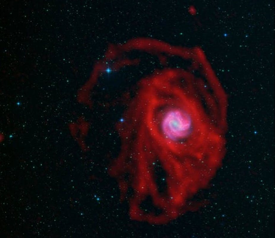 An image by MeerKAT shows hydrogen gas in M83, a famous spiral galaxy.