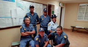 SAPS recover cards and IDs from_fraudsters Williston - 1
